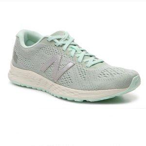New Balance Woman's Fresh Foam Arishi Sneakers